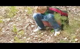 Naughty teen Sasha Blonde needs to pee in the forest